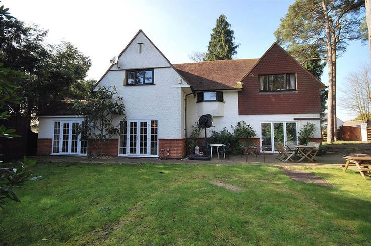 5 Bedroom House For Sale Ref. HFS4906 Location Surrey, England Asking Price £1,250,000, #Ownersellers  #Businesstransferagents  #Businesstranferagency  #BusinesstransferagentsinUK  #freeonlinebusinesstransferagents  #sellingyourbusiness   #businesssale  #onlinebusinesssales  #onlinebusinessagency  #Businessesforsale  #sellabusiness  #freeonlinebusinesstransferagency  #businessforsaleonline  #sellyourbusinessforfree #sellingyourbusinessforfree