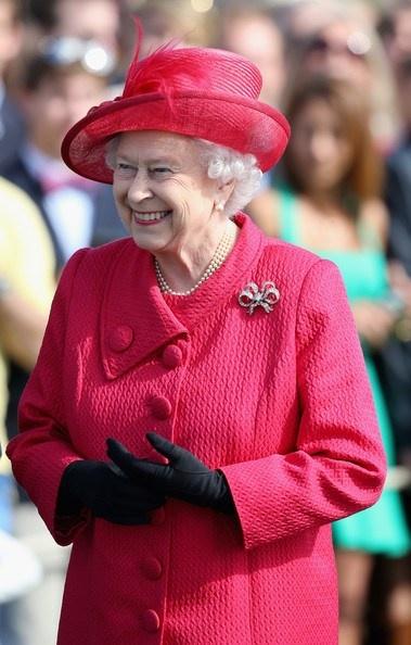 Queen Elizabeth, June 15, 2013   The Royal Hats Blog
