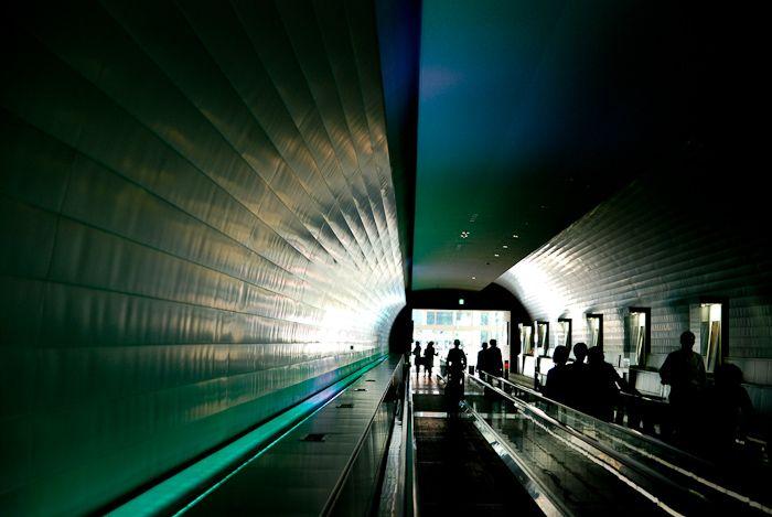 人生が大きなトンネルならば、今、どの位置にいるのかな。