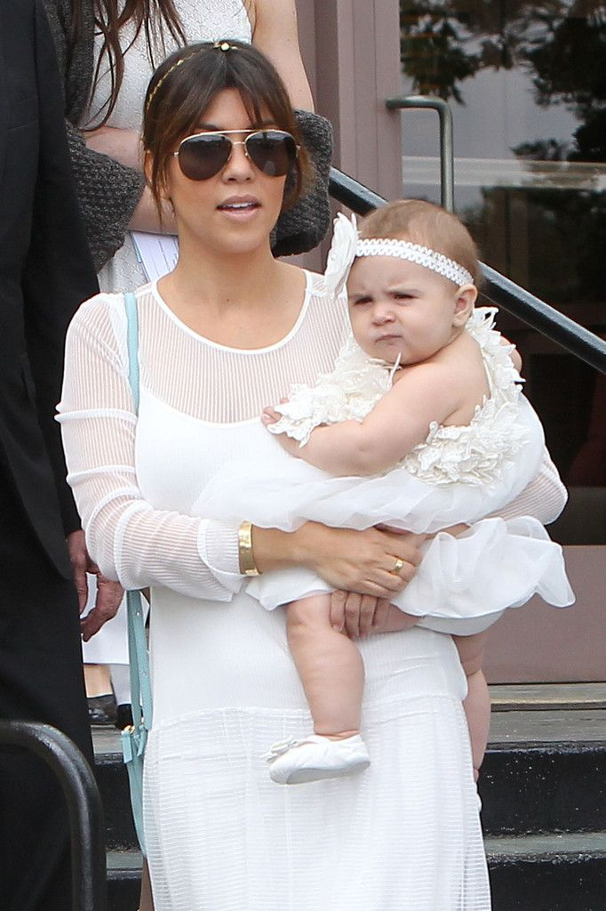 Kourtney Kardashian - Kourtney Kardashian and Kids Go to Church