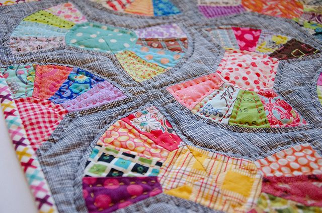 <3: Color Quilts, Handquilt, Patchwork Inspiration, Bows Ties, Fabrics Patterns, Hands Quilts, Binding, Bowties Quilts, Modern Quilts