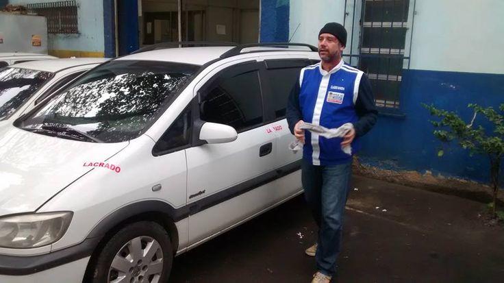 Claudio de Sousa Pinto (Cláudio Mancha) - o chefe que tá junto, na rua, incentivando a equipe - Duque de Caxias, RJ - novembro de 2014