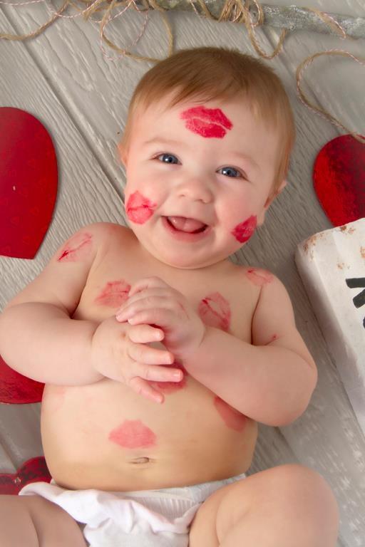 Portrait Creations: Mama Kisses!