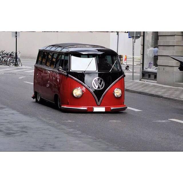 Lowrider Custom VW... Wow