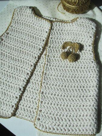Gilet crocheté avec bordure