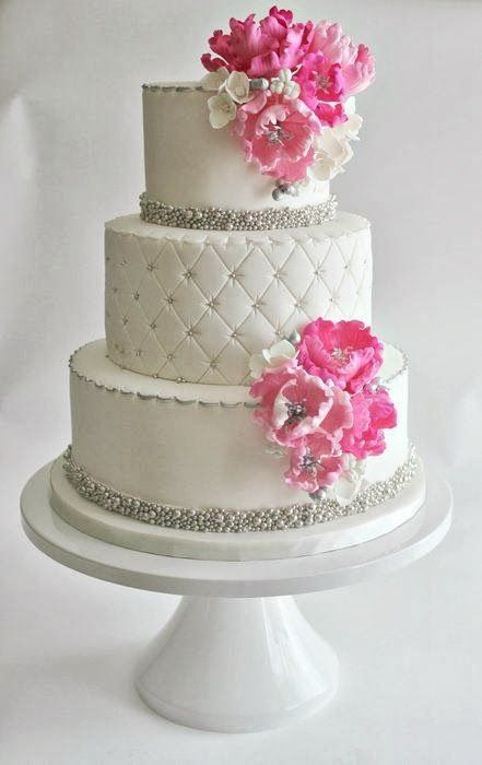 Cake with pink flower