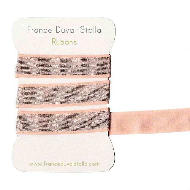 Tous nos élastiques sont en ligne .. Parfaits pour réaliser des ceintures de jupe, short, pantalon mais aussi bracelet headband .. disponibles en 3 tailles 1 cm, 2 cm et 4 cm #franceduvalstalla #elastique