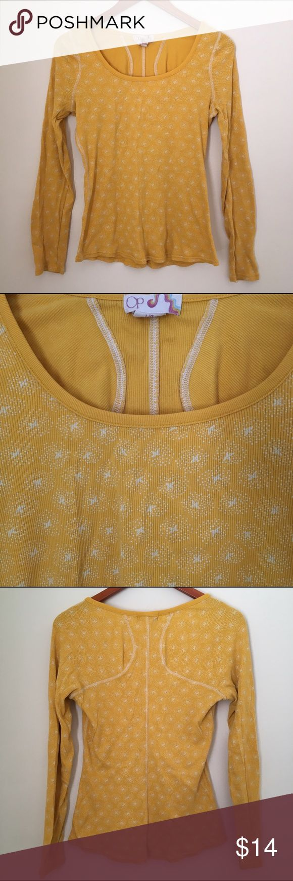 3@$19💝 OP Yellow Print Waffle Henley Tee Jr. Lg Mustard Yellow and white print waffle Henley Tee. Super cute back seaming. In good pre-owned condition. 💝💝💝3 for $19 on over 100 women's and baby items. Bundle, offer, SAVE!💝💝💝 O.P. Tops Tees - Long Sleeve
