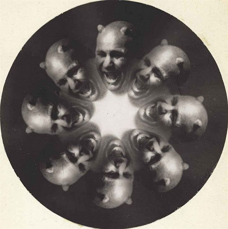 Istvan Kerny (1879-1963). Neptun, 1916, gelatin silver print, image/sheet (diameter): 5½in. (14cm.)    http://www.christies.com/lotfinder/photographs/istvan-kerny-neptun-1916-5657837-details.aspx?pos=10intObjectID=5657837sid=page=4