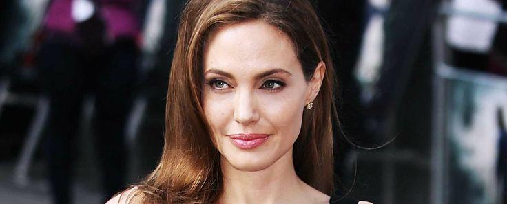 Celebrity News: Angelina Jolie's New Hidden Hills Mansion | #celebrityhomes #celebritynews #celebrityhouses #angelinajolie #brangelina| See also: http://www.celebrityhomes.eu/
