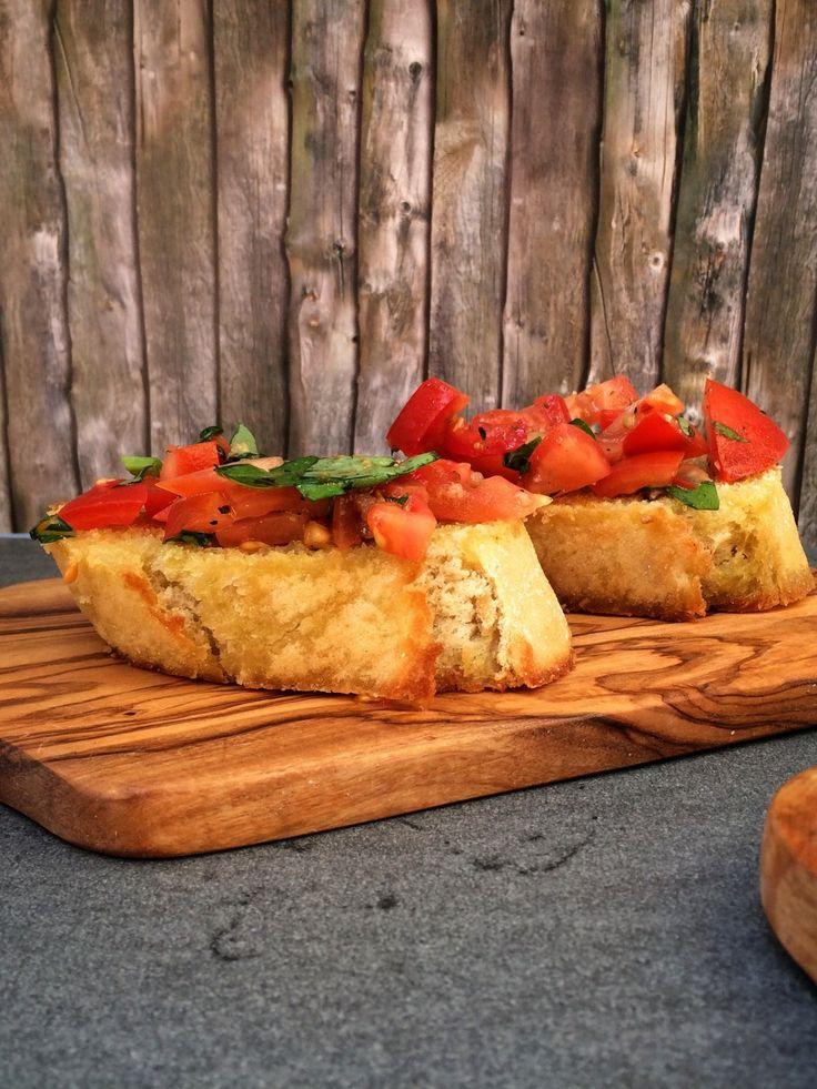 Italienisches Bruschetta - Oder Tomate auf Brot - klassisch wie beim Italaliener, die perfekt Pizza Vorspeise