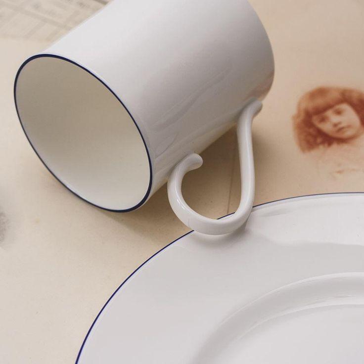 Mug Richard Brendon  Personnalisation sur mesure de ce produit disponible à la boutique Brigitte Tanaka avec lettrage or 18K cuisson grand feu
