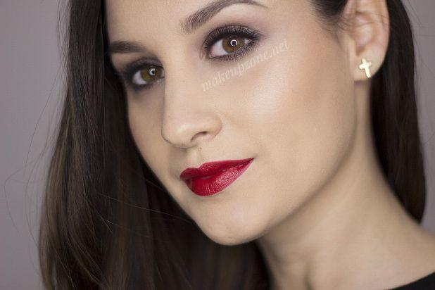 viva-glan-rihanna-lipstick de MakeUpZone
