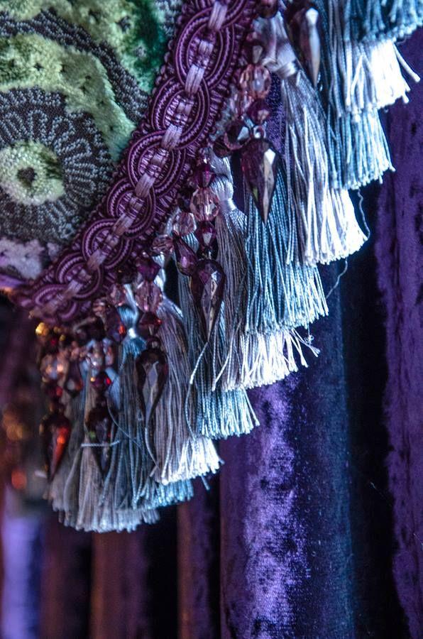 Purple   Porpora   Pourpre   Morado   Lilla   紫   Roxo   Colour   Texture   Pattern   Style   Form    drapes