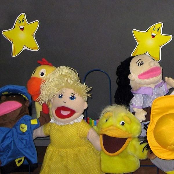"""ASSESSMENT OF LEARNING Teacher uses """"Picky Puppet"""" who only likes things that start with chosen sound. Students look through pictures to find things that start with the sound. Puppet only keeps those that start with the chosen sound. Activity could be used for assessment as teachers can observe and record student responses and comments during the puppet show, and ask open-ended questions that request that students clarify information to probe students' understanding and use of…"""