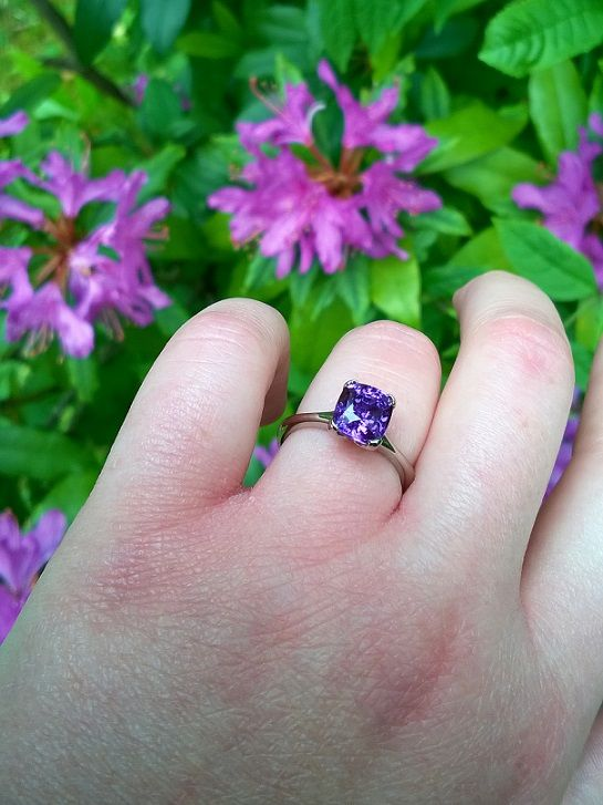 We're still continuing with the Fairtrade fortnight theme here at Jon Dibben Towers. So I thought I'd share my favourite ring in Fairtrade gold; the 2.99ct purple sapphire Fourclaw. I personally think it really suits me! Bye for now! Hannah #Fairtrade #Fairtradegold #JonDibben #Fairtradefortnight #unusualengagementring #Surreyhills #HandmadeinSurrey