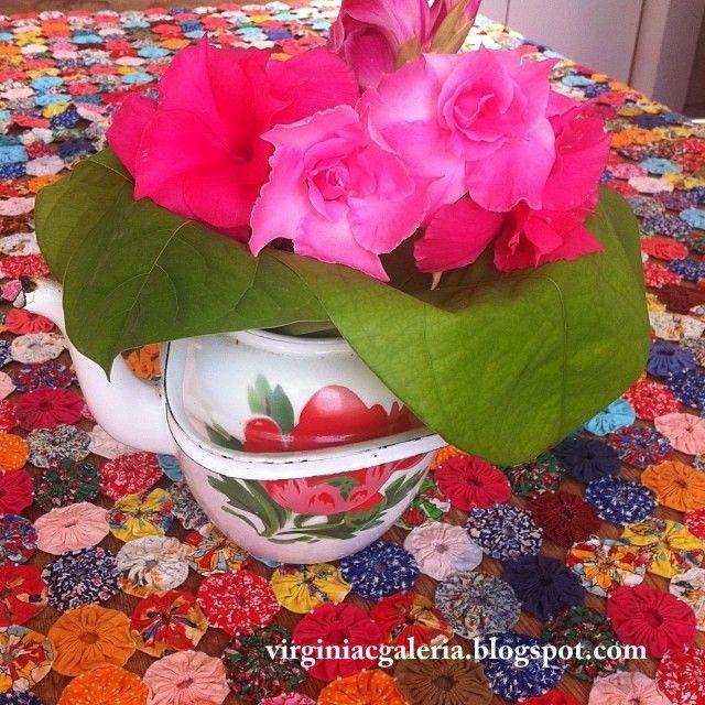 Arranjo floral com folha de maracuja