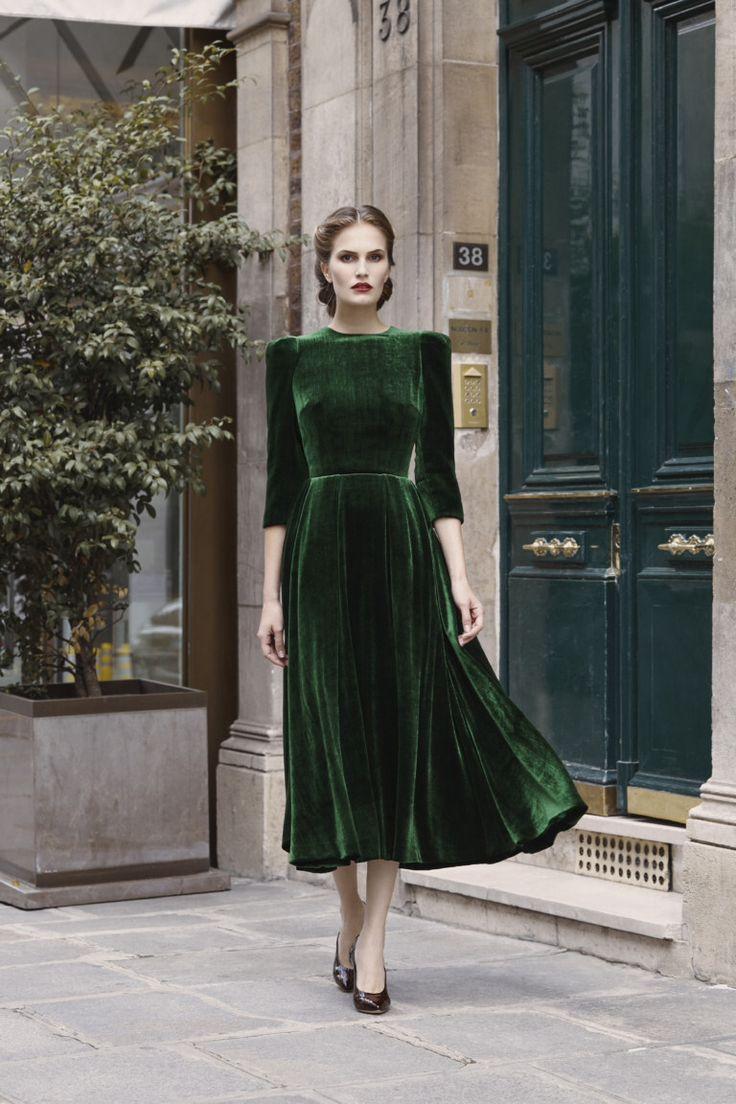 Ulyana Sergeenko #VogueRussia #readytowear #rtw #fallwinter2017 #UlyanaSergeenko #VogueCollections