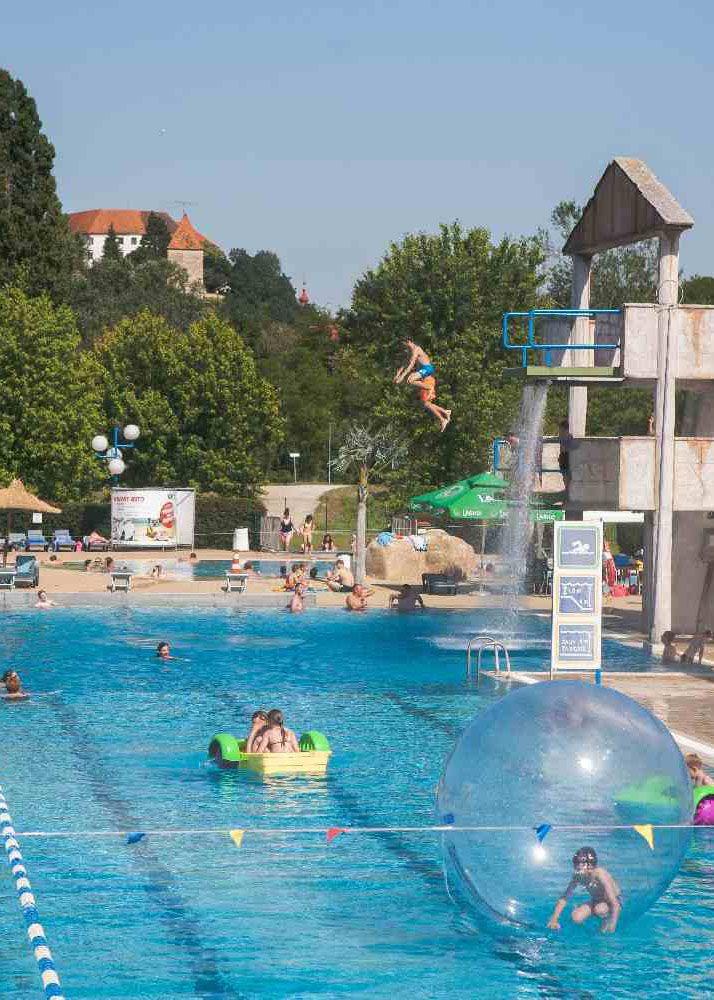 """Mark's tip: """"Zijn de kinderen mee op vakantie in Slovenië? Dan mag je een bezoek aan een van de Sloveense waterparken niet overslaan."""" #MijnTip"""