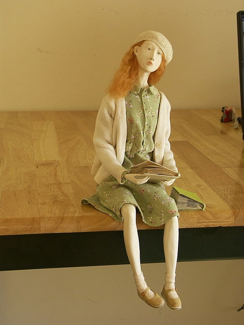 """What a beautiful doll! """"Dreamer"""" (made by solarka from paperclay and watercolors; repinned from Flickr)"""