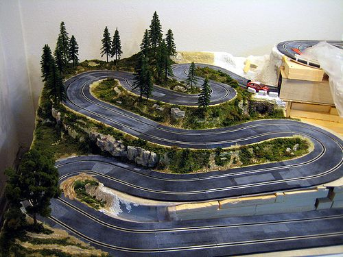 637 best slot car tracks images on pinterest slot car for Decoracion circuitos slot