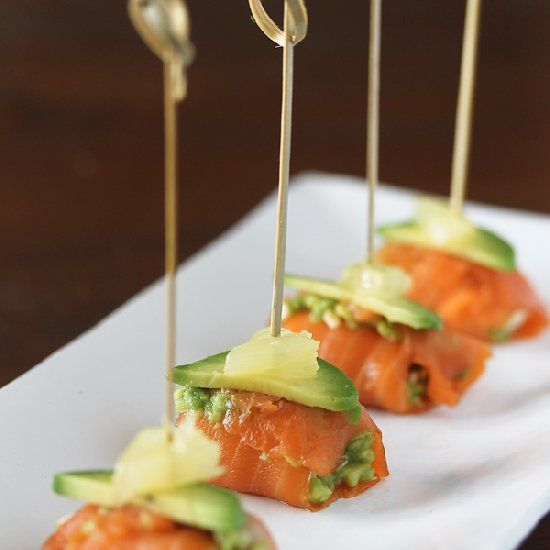 Salmon Avocado Bites - fresh, fast and tasty = the perfect party appetizer.