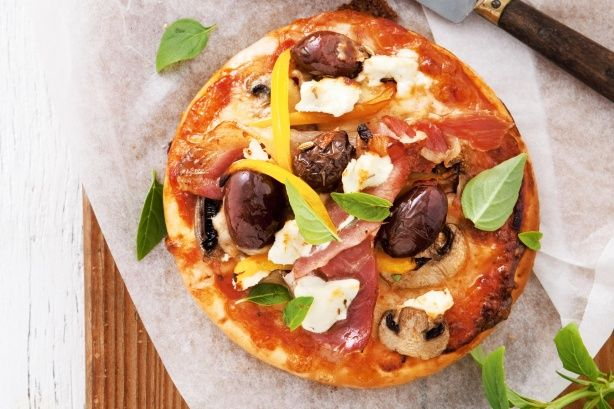 Mediterranean Pizza-----With bought pizza base, a few fresh toppings and this supremely good recipe, you're never more than 15 minutes away from digging into a slice of pizza heaven. You can make the Pizza base your self. Preparation 0:05, Cook: 0:15, Ingredients: 9, Difficulty: Easy, Servings: 4.