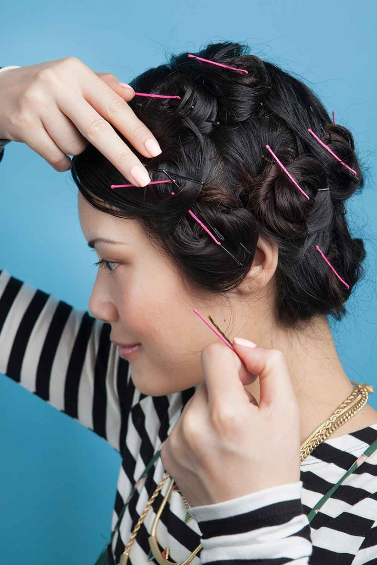 How to set hair without using damaging heat. I do this every time I wash my hair. Usually tie up with bandana for a retro 1949's look. Healthy hair