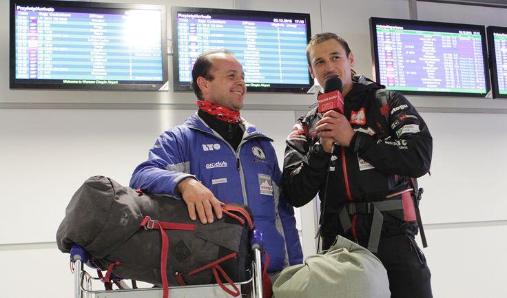 Kilka słów do mikrofonu. Adam Bielecki i Jacek Czech rozmawiają z nami przed wylotem do Chile. Więcej na stronie http://skroc.to/anU/