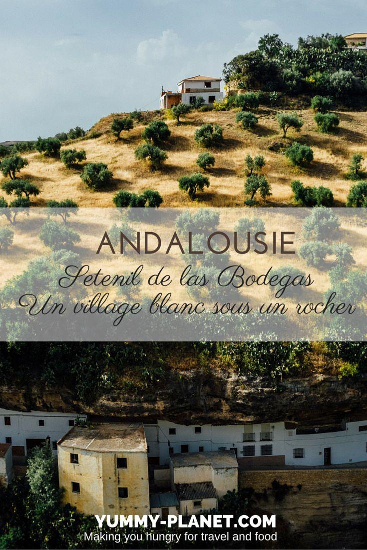 A ne pas rater lors de votre voyage Andalousie : l'étonnant village blanc de Setenil de las Bodegas, dans la province de Cadix. Sa particularité ? Les maisons sont nichés sous un gigantesque rocher !