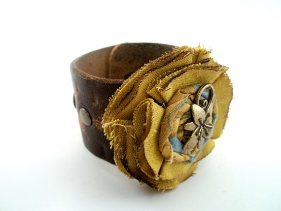 Leather cuff with linen flower