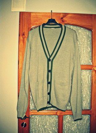 Kup mój przedmiot na #vintedpl http://www.vinted.pl/odziez-meska/zapinane-swetry-kardigany/10327774-sweter-kardigan-meski-szary-z-zielonymi-wstawkami-rozmiar-xl