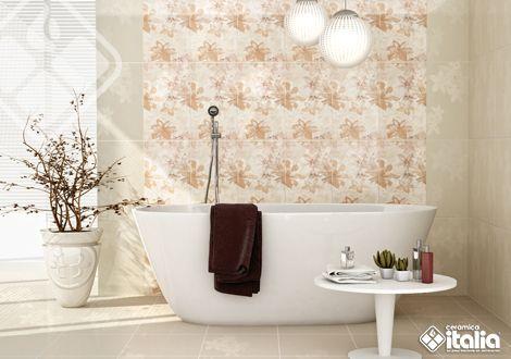 La belleza y delicadeza de las flores se plasma en el Lucca Beige, decora tu baño con toques delicados y sutiles y logra un diseño único y personal. #ElBañoQueTeMereces #CerámicaItalia