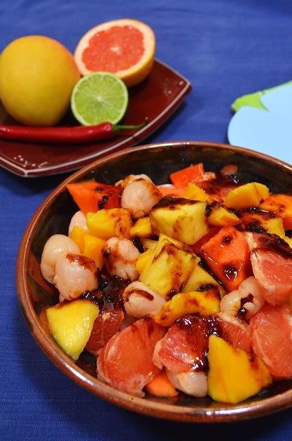 Rujak (Indonesian Fruit Salad with Chilli Dressing) #vegan #Indonesian