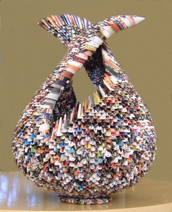 Best 25 recycled magazine crafts ideas on pinterest for Things to make out of recycled items