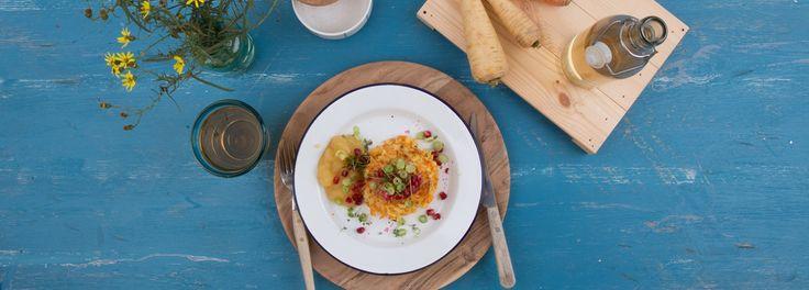Gesund und lecker ist dieses Rezept von REWE für Pastinaken-Karotten Mini-Puffer. Ganz einfach und schnell zuhause zubereiten. Mehr erfahren »