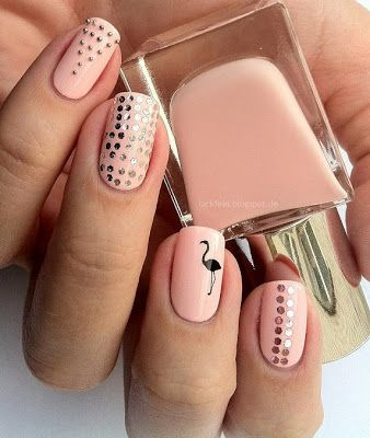 Pale pink silver dotted flamingo accent nail