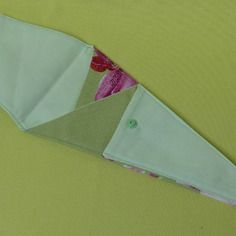 Étui a ciseaux en tissu, doublé fermé par une pression (un grand, un moyen, un petit)