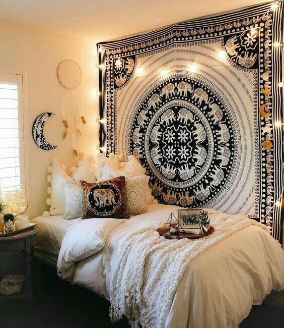 SO BEAUTIFULLY ORCHESTRATED, THIS ROOM LOOKS AMAZING! - THE COLOUR PALETTE, THE MANDALA, THE BEDDING, CUSHIONS, 'COME TOGETHER' SO WELL , TO COMPLETE THE 'ELEPHANT THEME!!⚜