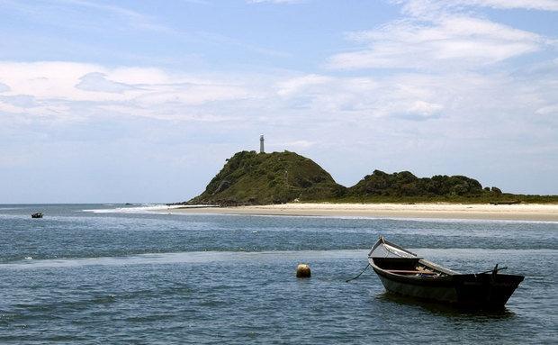 Apesar da Ilha do Mel ser rústica, a maioria de suas pousadas está bem estruturada, com internet, TV e DVD