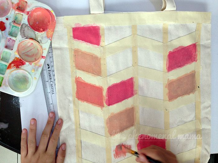 DIY hand-painted chevron canvas tote bags on The Phenomenal Mama