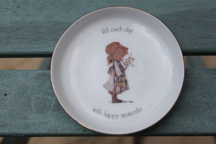 "Holly Hobbie Collectors Plate,   ""Fill Each Day With Happy Moments"" c1970s, Kitsch Nostalgia by AtticBazaar on Etsy"