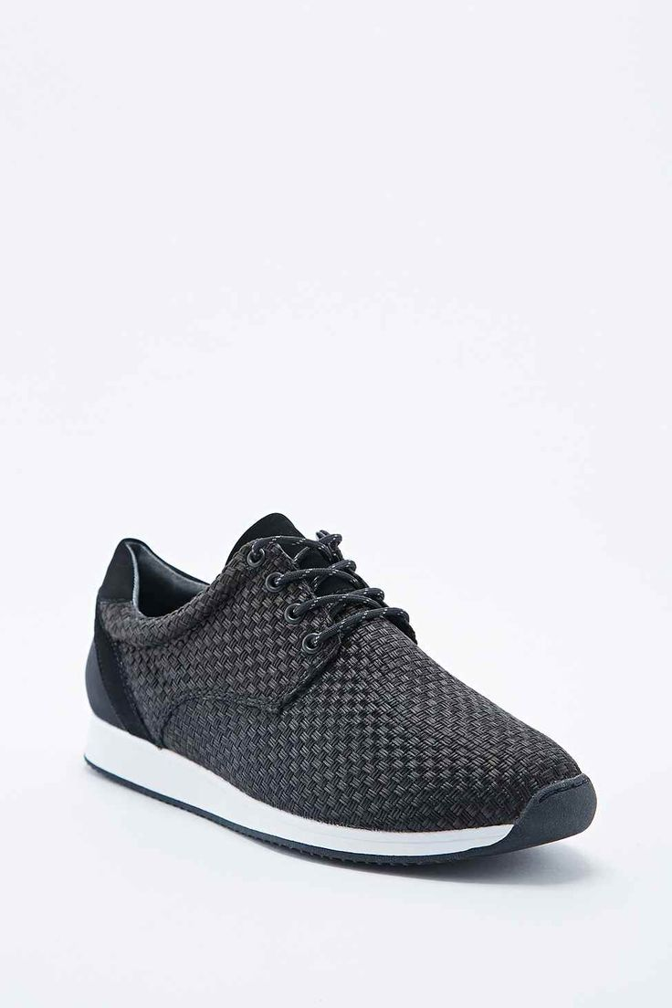 Vagabond Kasai Trainers in Black - Urban Outfitters / these are very nice and comfortable. Easy to use with many clothes.