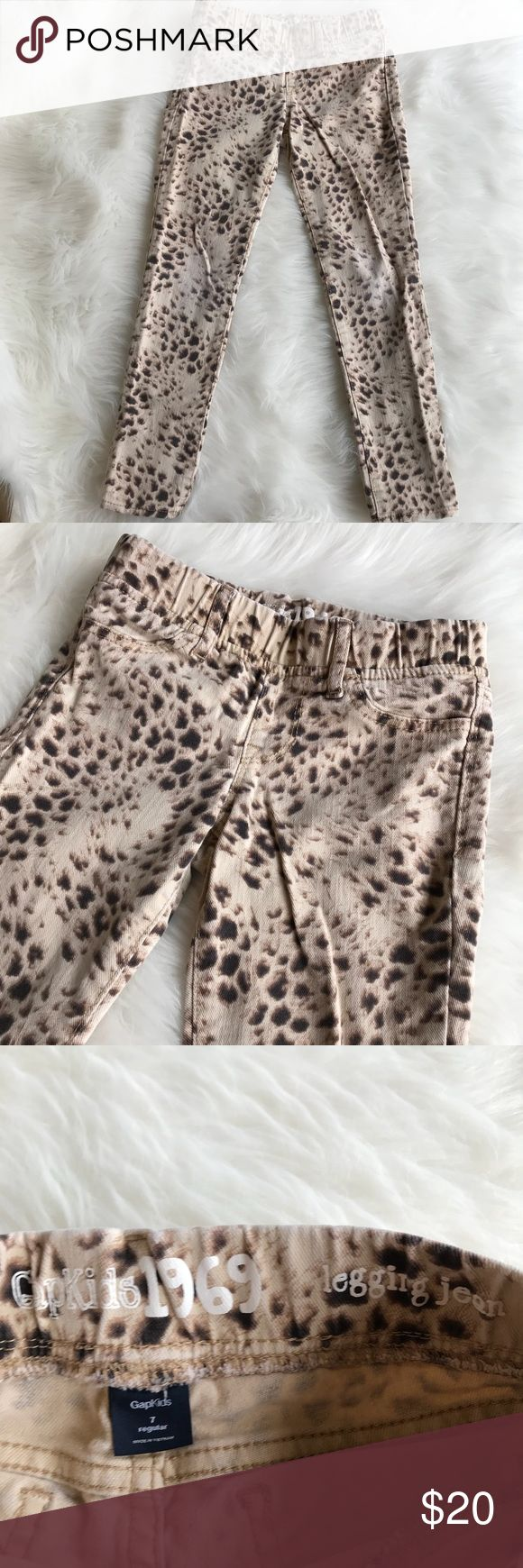"""Gap Kids Girls Animal Print Legging Jeans Gap Kids Girls Animal Print Legging Jeans! Love this neutral jean with a pull on style & elastic waist! Size 7. 11.5"""" across the waist & 27"""" long. Cotton & Spandex blend. LW3042111517 GAP Bottoms Jeans"""