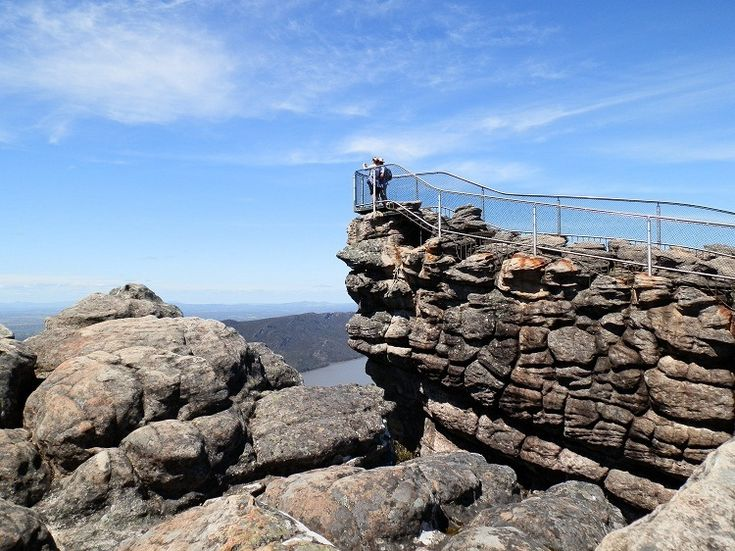 The Grampians National Park, Victoria, with the Pinnacle Lookout and Lake Bellfield below.