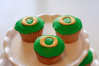 Oregon Ducks Cupcake Tutorial