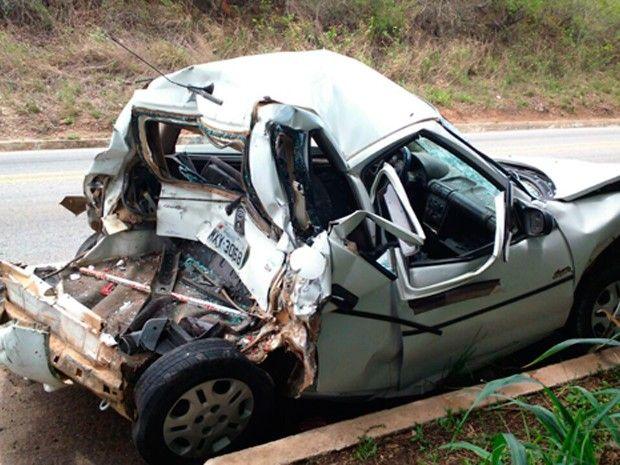 BLOG NOTÍCIAS: Batida de carros, caminhão-pipa e moto deixa ferid...