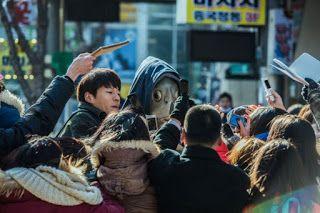 Collective Invention mengisahkan tentang Park Goo (Lee Kwang Soo) bermutasi menjadi manusia ikan akibat efek samping dari sebuah obat eksperimental. Sebuah konspirasi oleh perusahaan farmasi mengakibatkan Park Goo mungkin diusir dari dunia.