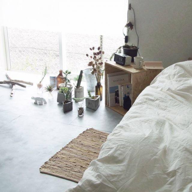 yasuakiさんの、流木,OSB合板,DIY,osb,一人暮らし,賃貸,塩系インテリア,メンズ部屋,ドライフラワー,NO GREEN NO LIFE,ベッド周り,のお部屋写真