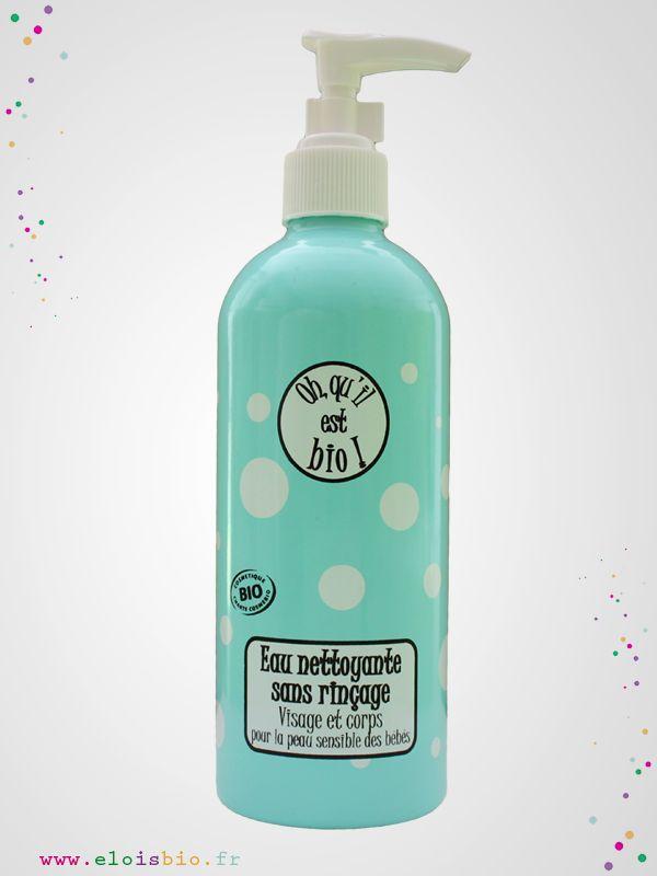 L'Eau nettoyante « Oh, qu'il est bio ! » est formulée à base d'eau florale de rose. Elle est sans rinçage et laisse la peau de bébé parfaitement propre et fraîche.